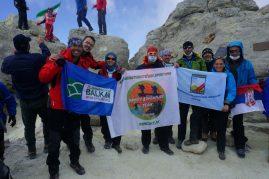 5.671 m -Vrh Damavanda