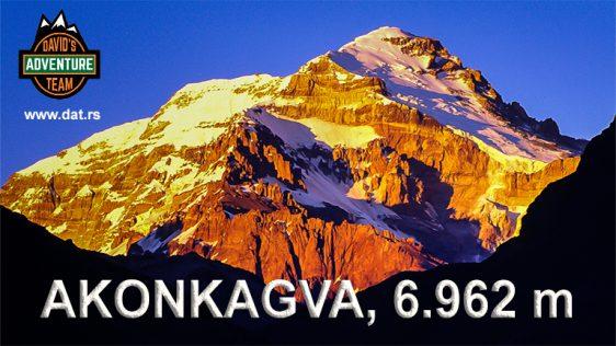 AKONKAGVA (6,962 m)
